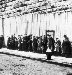 Breadlines sprang up in cities across the country during the Great Depression of the 1930s.